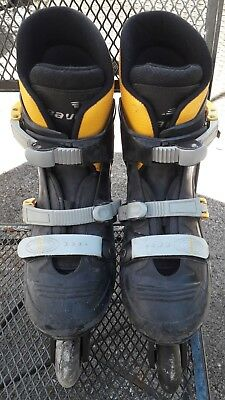 Bauer FX1 Inline Skates size 4. Wheels need replacing hence the price.