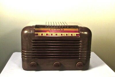 Antique RCA Victor vintage bakelite tube radio restored and  working