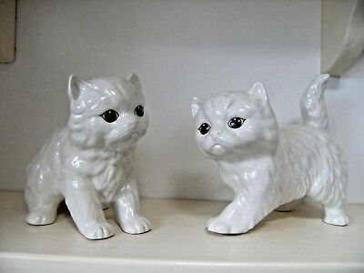 2 x Vintage Melba Ware White China Cats Kittens Ornament Figures.