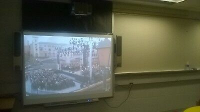 """Smart Board SB680 77""""  & UF75 Projector Interactive Touch Free Delivery*"""