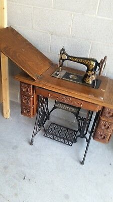 1907 Singer 27-4 Treadle Sewing Machine