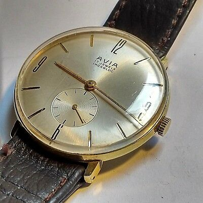 Vintage Watch Avia Swiss Mens Watch In Lovely Condition Runs Perfectly