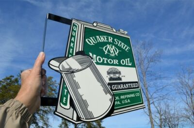 Old Style Quaker State Motor Oil Vintage Type Oil Can Flange Sign Made In Usa!