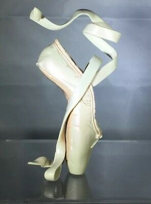 Just The Right Shoe En Pointe Champagne By Raine Artist Edition