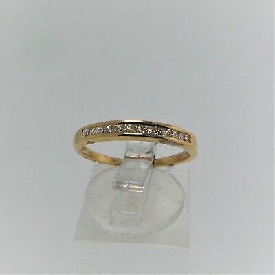 18ct YELLOW GOLD DIAMOND WEDDING RING VALUED @$1229 COMES WITH VALUATION