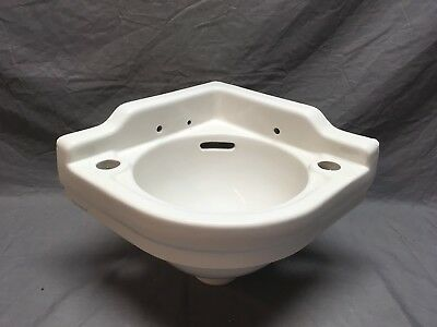 Small Vtg Mid Century Ceramic White Porcelain Corner Sink Old Standard 447-18E