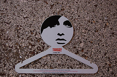 Twiggy London Girl Coat Hanger / Kleiderbügel 1967