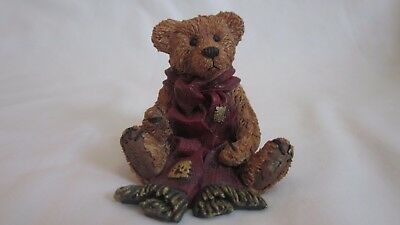 Retired Boyd's Bear resin figurine Greenville with Red Scarf