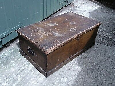 Vintage wooden box/chest