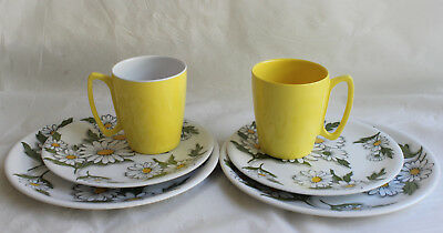 Vintage Ornamin Melmac Plastic Set 2 DAISY Plates & Side Plates YELLOW CUPS