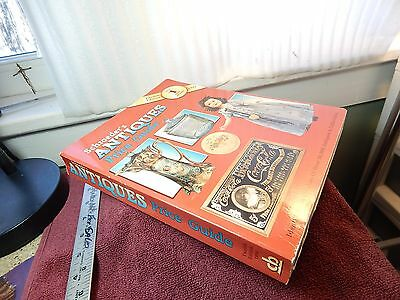'94 Schroeders Antiques Price Guide 600 Page 12th Edition Best Seller