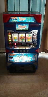 THUNDERBIRDS Slot Machine, Great Condition. Missing key. Tokens and real money.