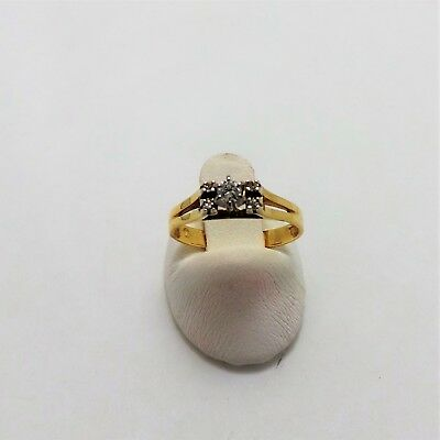 18Ct Yellow Gold Diamond Ring Valued @$1554 Comes With Valuation
