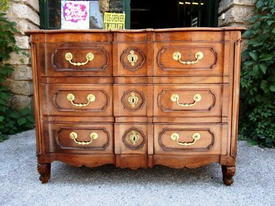 French 18 th C provençale commode in walnut