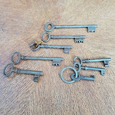 8  Antique Italian  Keys 18-19th century in wrought iron,