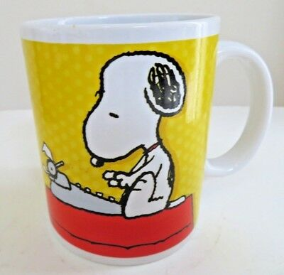 Mug/Cup-Peanuts Gang Snoopy Typing a Message