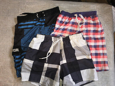 Lot short de bain taille 12 ans  lot n°16