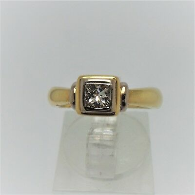 18Ct Yellow Gold Diamond Ring Valued @$4043 Comes With Valuation