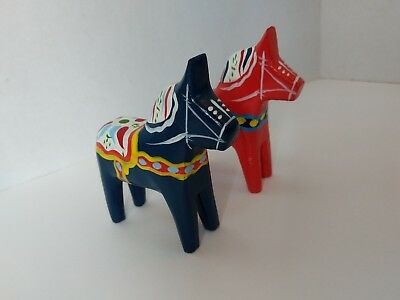 """Vintage Dala Horse Nils Olsson Red and Blue 4"""" Tall Sweden EUC Set of 2 Horses"""