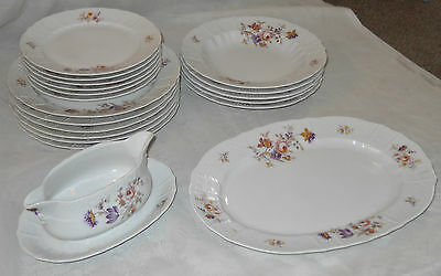 Awesome Lot of 19pcs Pretty Heinrich Germany Fine China Floral Pattern