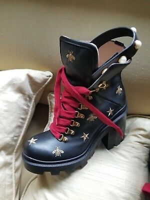 f01fa08f8c5 BLACK GUCCI BOOTS w  Embroidered Stars and Bees Size 39 -  1