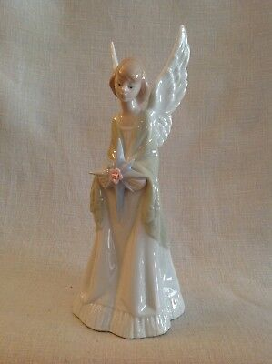 """Lladro, Angel """"Star Of The Heavens"""" Treetopper Angel Holding A Star,Retired 2002"""