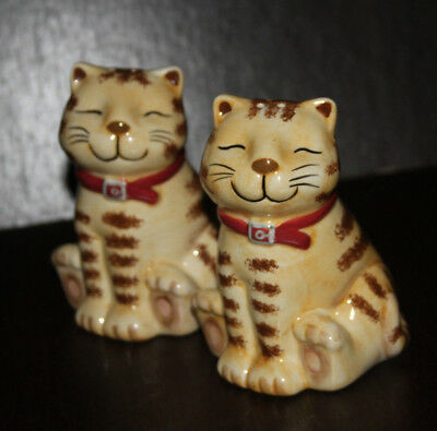 Smiling Cat Salt & Pepper Shakers Cute Kitty 4""