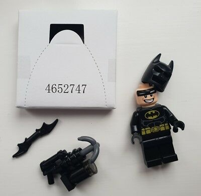 LEGO Batman minifigure and accessories  from set 70817 - Brand new