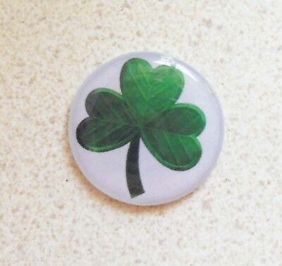 1 only GREEN CLOVER GOLF BALL MARKER WITH NICE  HAT CLIP