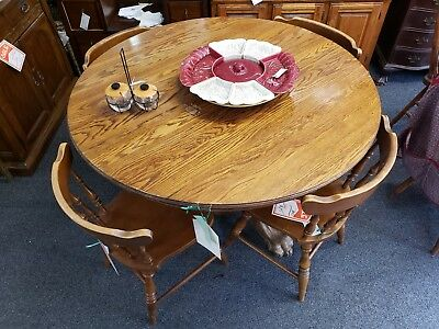Oak Pedestal-Style Claw-Footed Dining Table w/ One Leaf
