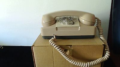 Vintage Phone Rotary GTE Starlite Automatic Electric Beige Wall Desk Model  182