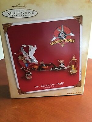 On Tweety, On Daffy Looney Tunes Collecible Ornament