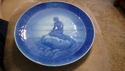Vintage 1962 Royal Copenhagen The Little Mermaid at Wintertime 7 inch plate