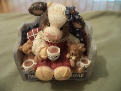 "Mary's Moo Moos "" Friends Gather Here "" Cow Figurine, 1999 ENESCO"