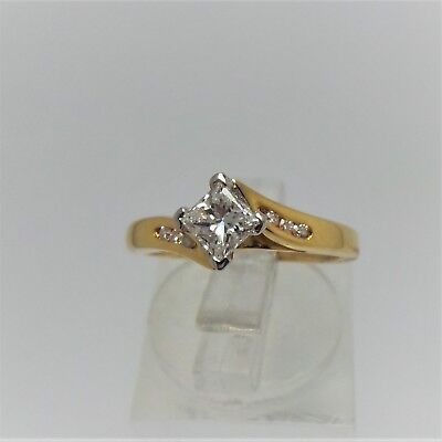 18Ct Yellow Gold Diamond Ring Valued @$3328 Comes With Valuation