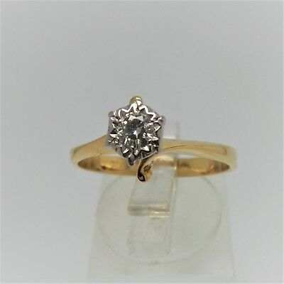 18Ct Yellow Gold Diamond Ring Valued @$1807 Comes With Valuation