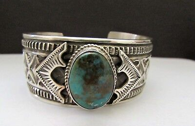 Gorgeous Vintage LEONARD MALONEY Navajo Sterling Silver Turquoise Cuff Bracelet