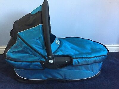 quinny blue  carrycot suitable for newborn With Raincover