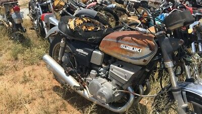 1975 suzuki GT550 unregistered us import with nova!! all 4 exhaust are great !!!
