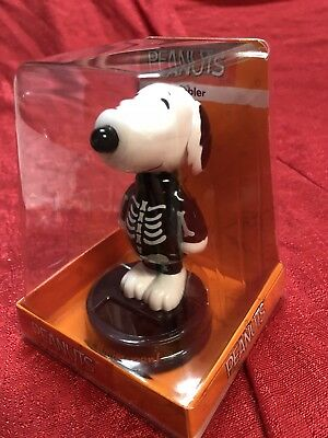 Peanuts SNOOPY In Skeleton Costume Solar Bobble Head Halloween 2018