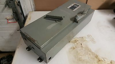 Allen Bradley 712 Combination Starter Enclosure, Cat# 712-162D-16, Used