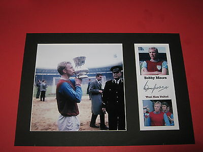 Bobby Moore West Ham United A4 Photo Mount Signed Reprint Autograph Geoff Hurst