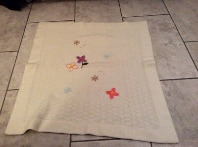 beautiful Benetton cream wool baby blanket embroided knitted