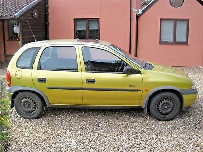 Vauxhall CORSA 1.7 Diesel. 5 door hatchback. Cheap Learner Car. 1998 R with MoT.