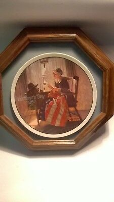 """""""A Mother's Pride"""" 1980 Mother's Day Collector Plate by Norman Rockwell FRAMED"""