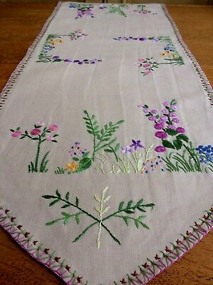 Stunning Hand Embroidered Table Cloth Runner Cottage Garden Raised Flowers