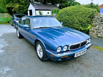 jaguar xj8 4.0 1999 - Excellent running car but needs cosmetic work.