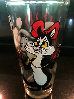 "Looney Tunes 1976 Pepsi Collector Glass 6"" Tall 16oz Pepe Le Pew & Penelope"