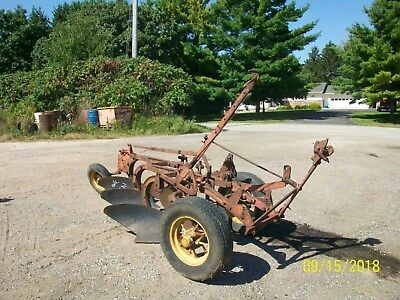 Massey Harris Antique Tractor 3 Bottom Pull Plow farmall deere allis oliver a b