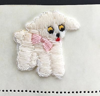 "Vintage Motifs - White Cotton ""Baby Lamb"" Motif with Pink Bow - Sew & Design"
